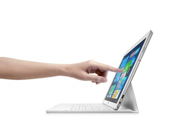 Samsung Galaxy TabPro S, 2-in-1 Tablet with Windows 10