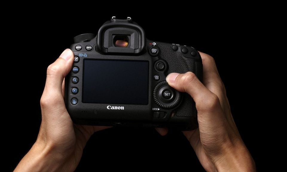 Canon Introduces New Dslrs Cameras