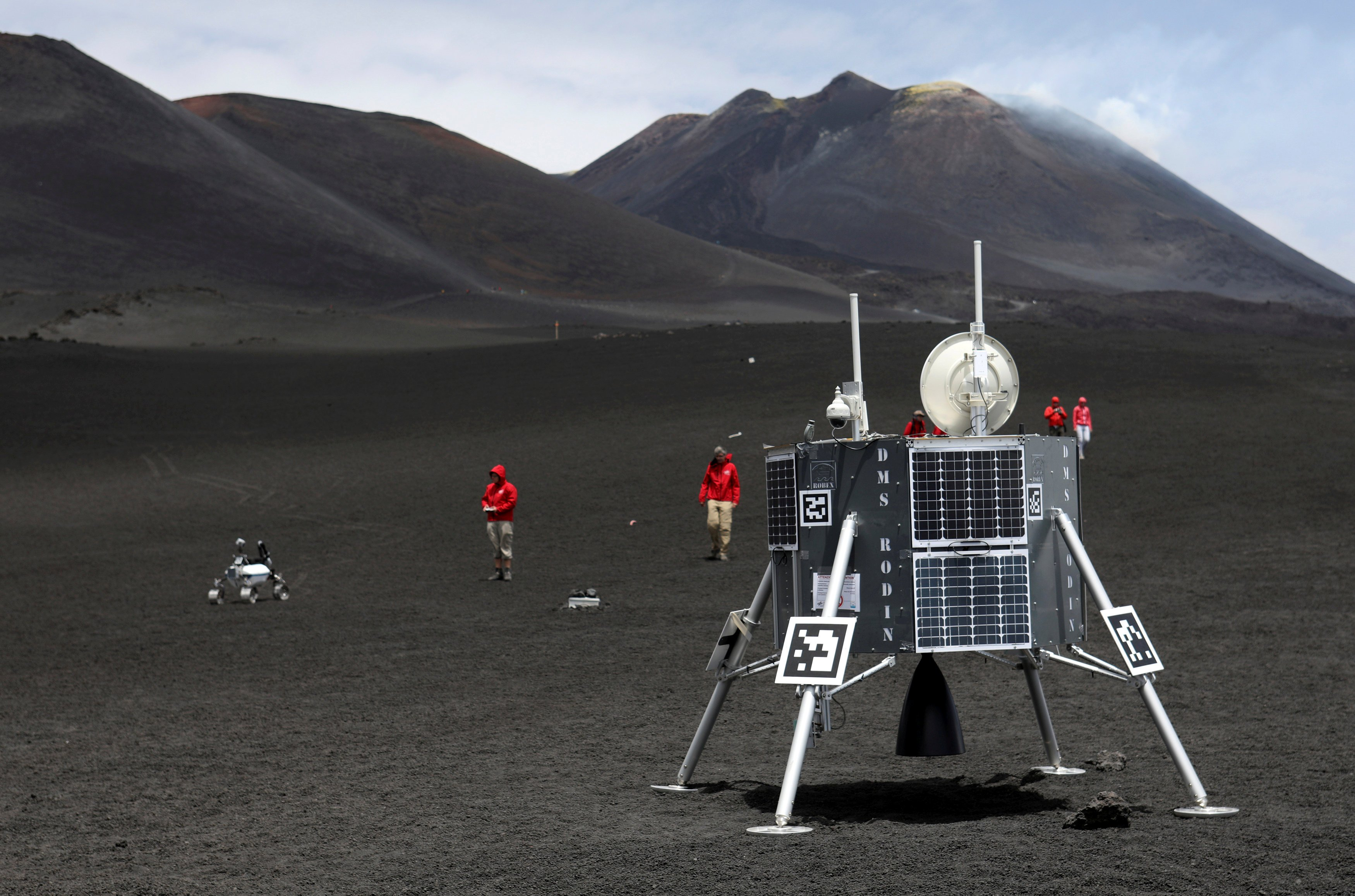 Lunar Robots Tested On Mount Etna